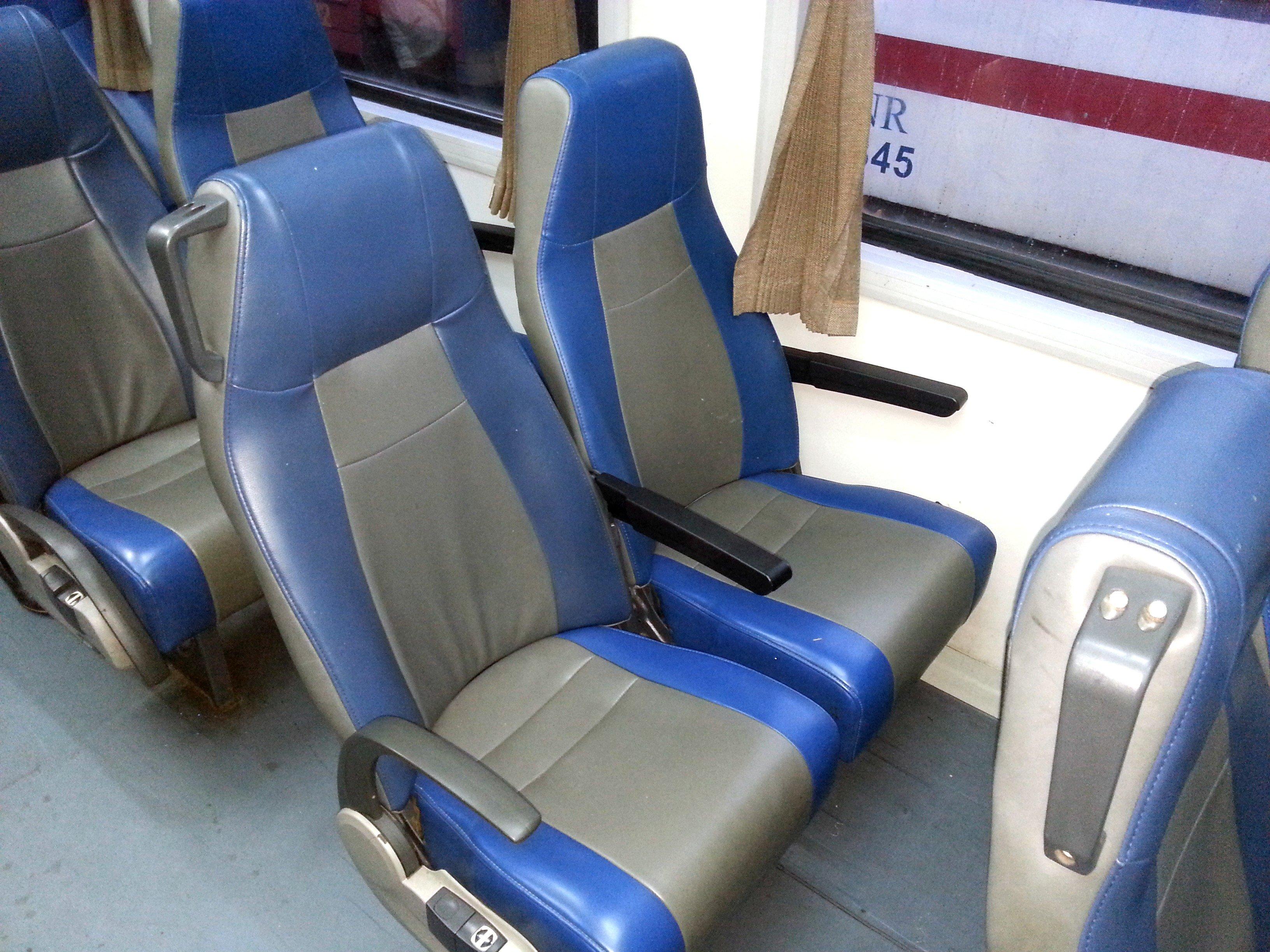2nd Class AC Seats on Train SE8