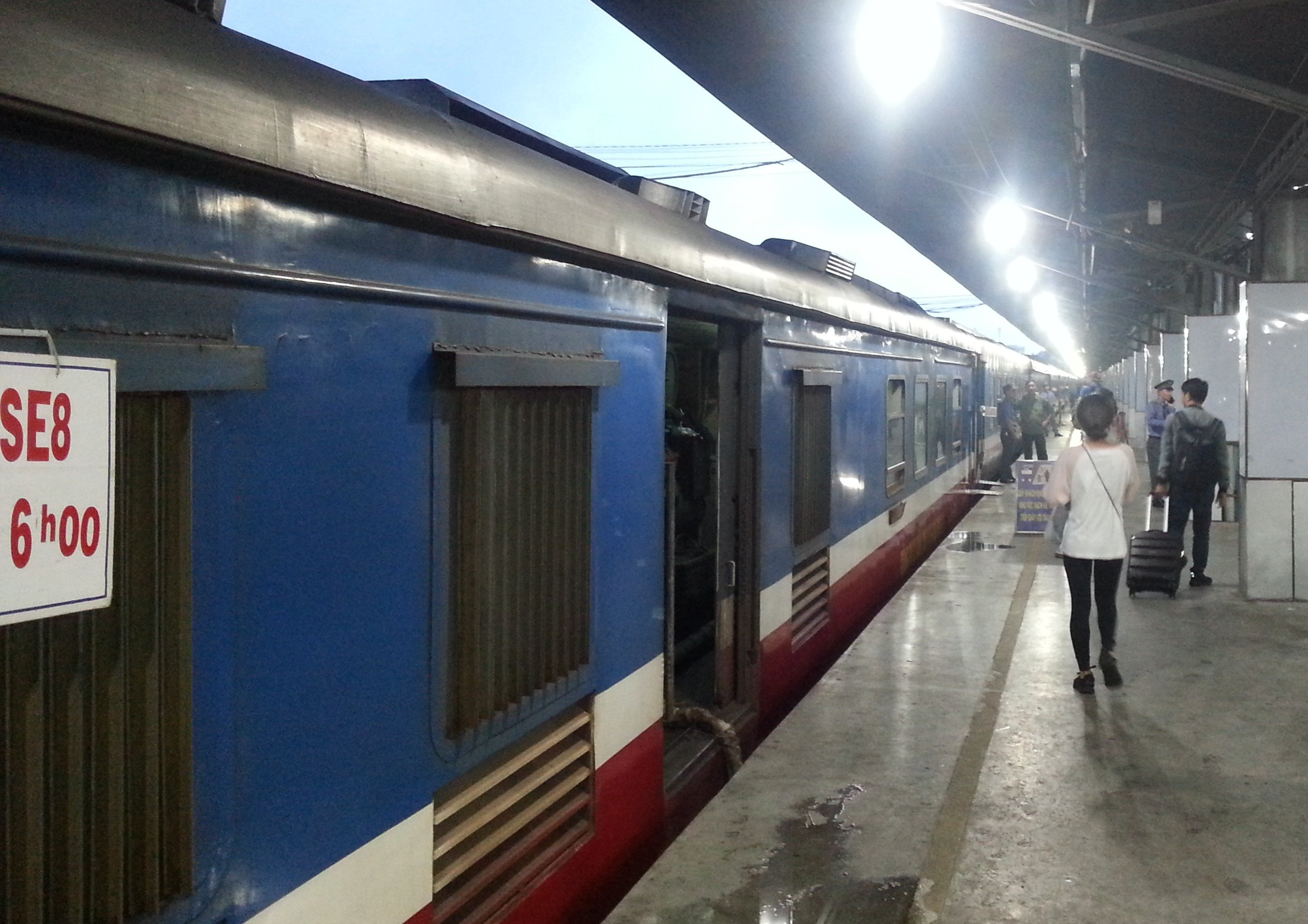 SE8 Train from Ho Chi Minh City to Nha Trang